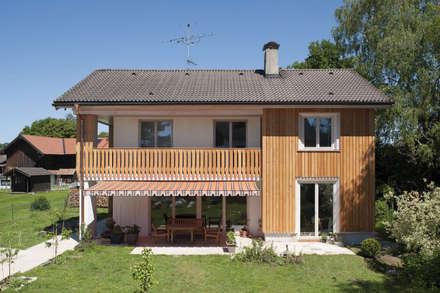 Wohnhaus Otterfing: klassische Häuser von gerstmeir inić architekten