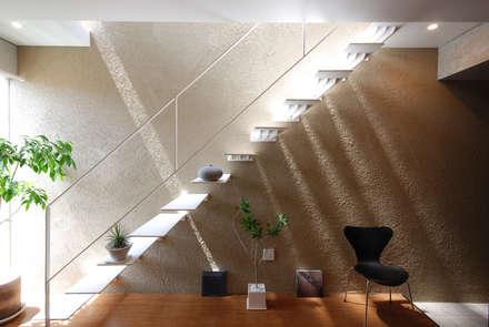 モダンスタイル: Style Create   株式会社 秀政組が手掛けた玄関/廊下/階段です。