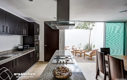 Nhà bếp by Grupo Arquidecture