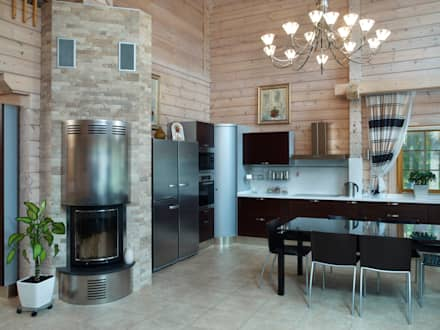 Blockhaus Pinus: moderne Küche von Woody-Holzhaus - Kontio