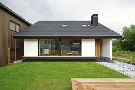 石巻の家: 空間建築-傳 一級建築士事務所が手掛けた家です。