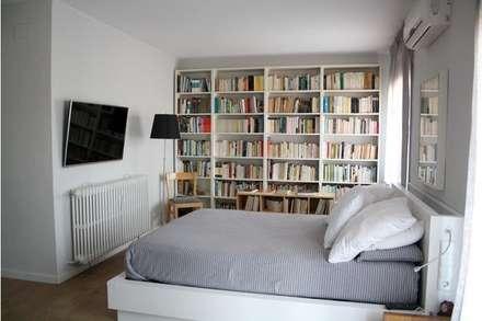 Habitación Suite: Dormitorios de estilo moderno de SMMARQUITECTURA
