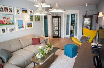 Квартира в Москве 100м2 (дизайнер Мария Соловьёва-Сосновик): Гостиная в . Автор – Фотограф Анна Киселева