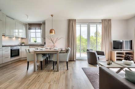 Appartement Heiligendamm: Moderne Esszimmer Von SALLIER WOHNEN HAMBURG