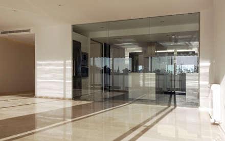 Cristalera: Ventanas de estilo  de CM4 Arquitectos