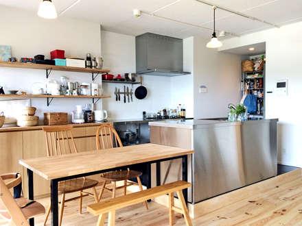 scandinavian Dining room by GRID DESIGN 株式会社