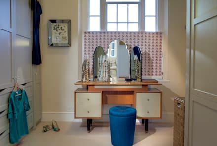 Barnsbury Park: eclectic Dressing room by ReDesign London Ltd