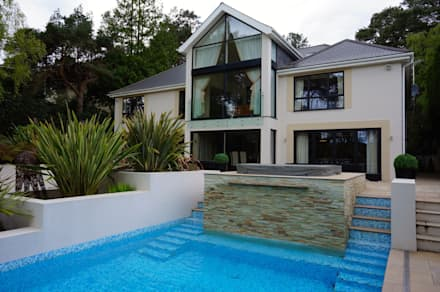 Bingham Avenue, Evening Hill, Poole: classic Houses by David James Architects & Partners Ltd