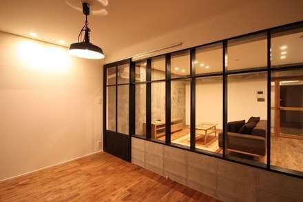 Camera da letto in stile industriale idee homify - Letto stile industriale ...