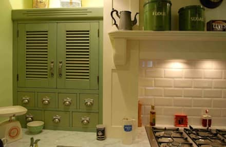 A nod to the 1920's...: classic Kitchen by Hallwood Furniture