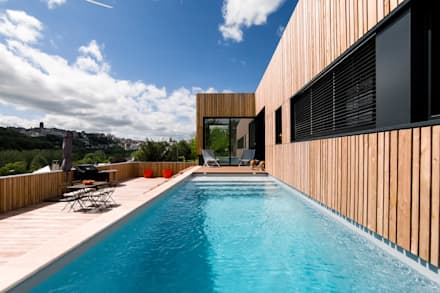 modern Pool by Hugues TOURNIER Architecte