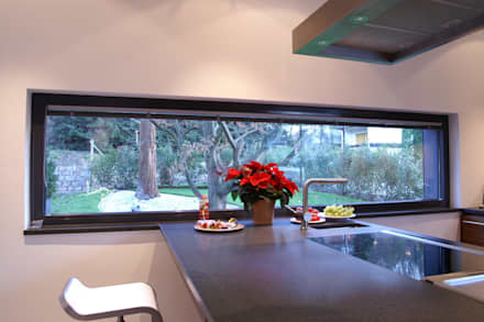 Stadtvilla I: moderne Küche von wirges-klein architekten