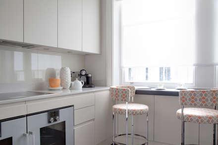 Kitchen : modern Kitchen by Studio Duggan