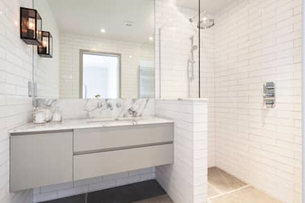 Bathroom : modern Bathroom by Studio Duggan