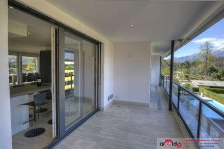 بلكونة أو شرفة تنفيذ Archidé SA interior design