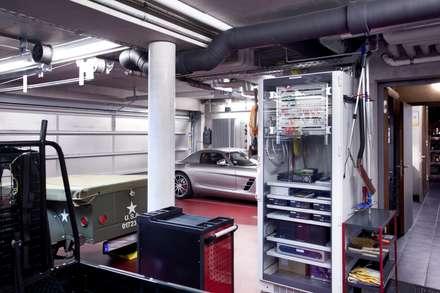 Garages de estilo moderno por Gira, Giersiepen GmbH & Co. KG
