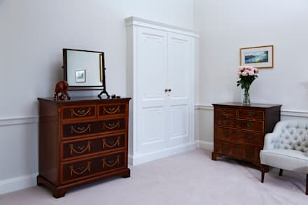 Georgian Country House: classic Dressing room by Etons of Bath