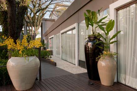 CasaCor Trio   2010: Jardins minimalistas por Folha Paisagismo