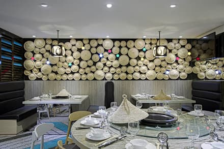 Design:  Commercial Spaces by PLOTCREATIVE Interior Design Ltd
