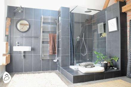 Espace douce: Salle de bain de style de style Minimaliste par idée ô logis