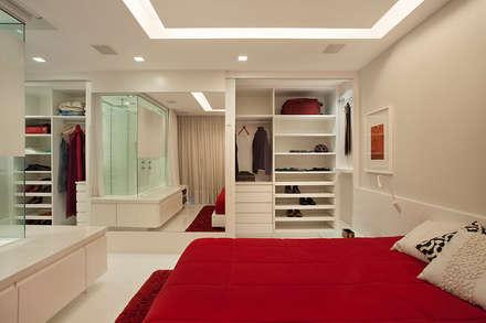Cobertura Duplex Edificio Mandarim - Condomínio Peninsula: Quartos  por Cadore Arquitetura