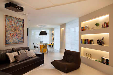 modern Media room by Cadore Arquitetura