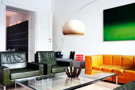 Appartment H: Moderne Wohnzimmer Von Destilat Design Studio GmbH