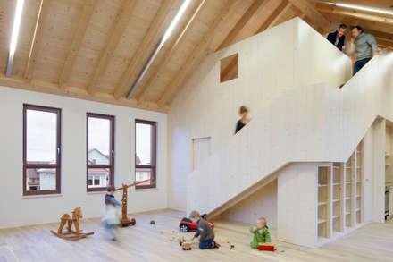 Kinderhaus mit umweltfreundlichem Parkett:  Schulen von LOBA GmbH & Co. KG