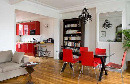 Réunion de 2 appartements en duplex -Paris-18e: Salle à manger de style de style Moderne par ATELIER FB