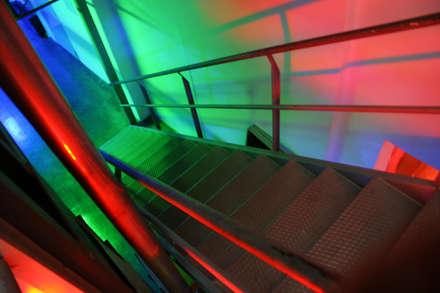 LIGHT #16. Luminous Climate and Anthro-psychology Light  - Superstudio 13 -DesignWeek - Milano: Musei in stile  di Romano Baratta Lighting Studio