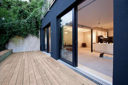 Landloft Stuttgart:  Terrasse von CIP Architekten Ingenieure