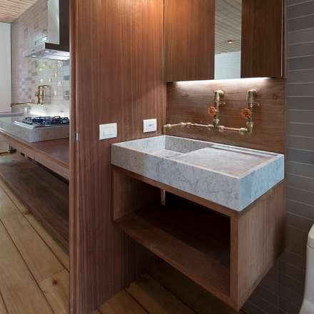 industrial Bathroom by Alvaro Moragrega / arquitecto