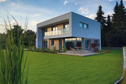 ELK Effizienzhaus 174: moderne Häuser von ELK Fertighaus GmbH