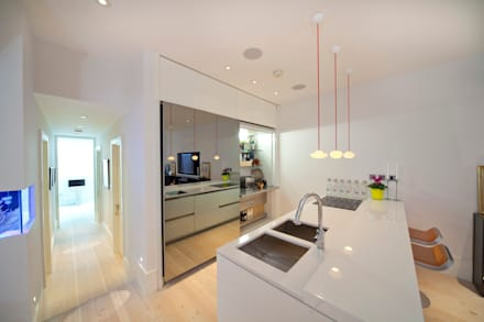 Basement Kitchen: minimalistic Kitchen by Gullaksen Architects