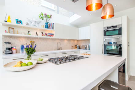 Kitchen and Lighting: modern Kitchen by CATO creative