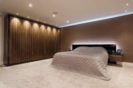 Jacaranda Gloss Bedroom Suite: Modern Bedroom By Urban Myth
