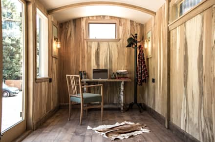 Railway Carriage: industrial Study/office by Mungo & Betsy