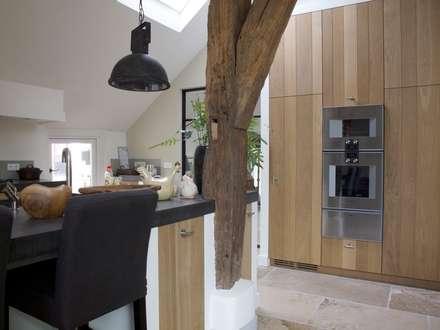 Eetkeuken: landelijke Keuken door Frank Loor Architect