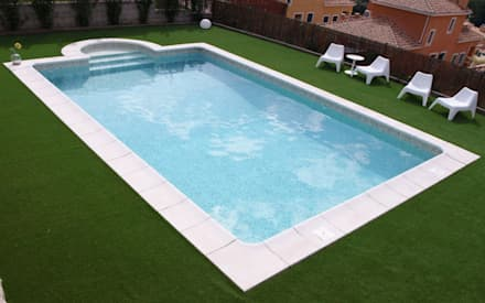 minimalistic Pool by RENOLIT Ibérica