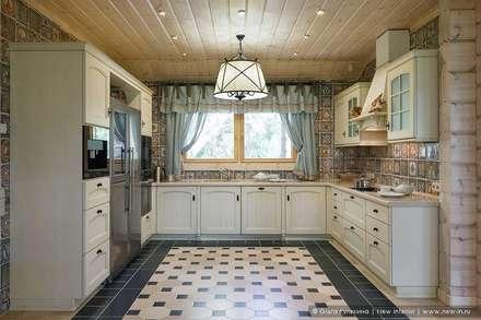 Honka, загородный дом для семьи из 6 человек: Кухни в . Автор – Ольга Кулекина - New Interior