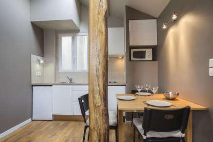 ASILE POPINCOURT 75011 PARIS : Salle à manger de style de style Moderne par cristina velani