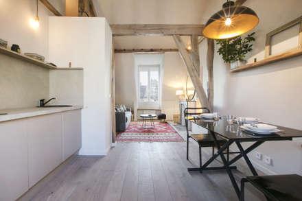 rue de rivoli 75001 PARIS: Cuisine de style de style Scandinave par cristina velani