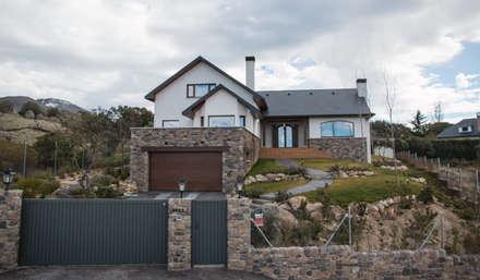Casa di campagna in stile  di Canexel