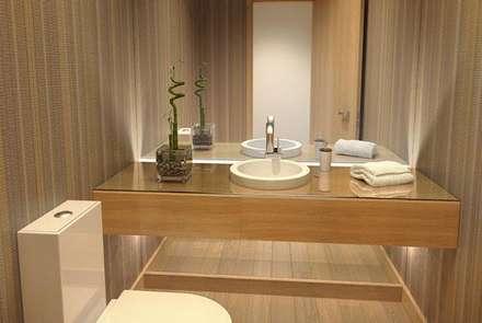 Baño revestimiento vinílico_SUELOS Y PAREDES: Baños de estilo asiático de SUELOS Y PAREDES SIN OBRAS