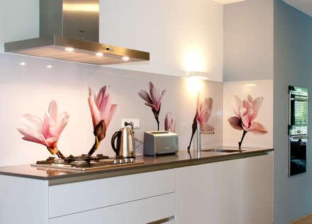 """Keuken achterwand """"Magnolia"""" op Pimp Superior materiaal: moderne Keuken door PimpYourKitchen"""
