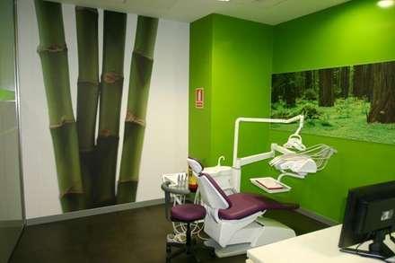 診所 by SUELOS Y PAREDES SIN OBRAS