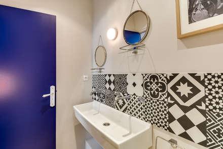 PARIS 4 30m2: Salle de bain de style de style Scandinave par blackStones