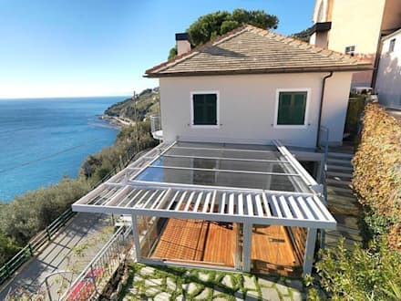 Veranda Cagis mod. Sunshine: Giardino d'inverno in stile in stile Moderno di Cagis