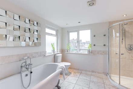 Bathroom : minimalistic Bathroom by In:Style Direct