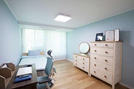 경기도 과천시 원문동 래미안슈르 43평형: MID 먹줄의  침실